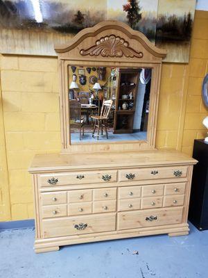 2 (pc) Natural Pine Wood (9) Drawer Dresser w/Mirror for Sale in BRECKNRDG HLS, MO
