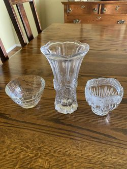 Crystal vase and candy dishes for Sale in Colorado Springs,  CO