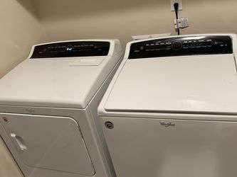Whirlpool Washer And Dryer Set for Sale in Vancouver,  WA