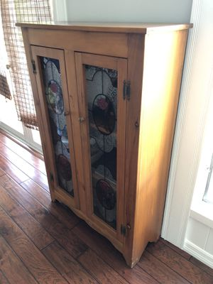 Stained glass 3 shelf china cabinet storage cabinet for Sale in Palm Beach Gardens, FL