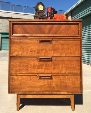 Beautiful mid-century Dresser/chest for Sale in Ontario, CA