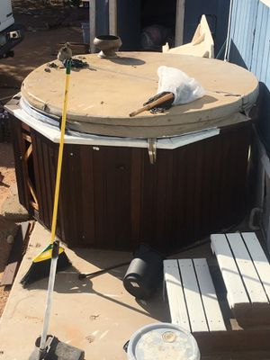 Hot tub/ jacuzzi PLEASE DONT ASK QUESTIONS free for Sale in Fort McDowell, AZ
