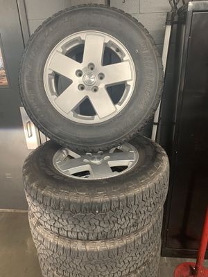 Jeep wheels and tires for Sale in Manor, TX
