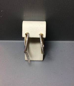 18k two toned gold diamond earrings for Sale in Chicago, IL