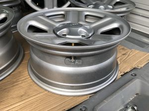 Five 2017 JEEP stock wheels with TPMS sensors for Sale in Saint Petersburg, FL