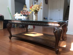 Solid Wood Coffee Table w/ Glass Top for Sale in Stockton, CA