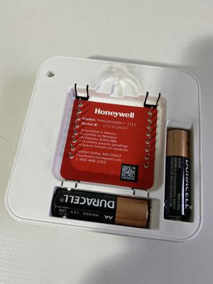 Honeywell Thermostat for Sale in Tacoma, WA