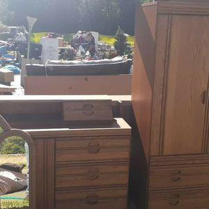 Queen Or Full Bedroom Set for Sale in Spanaway, WA