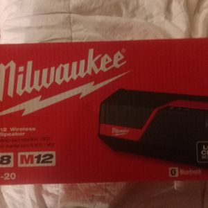 New MILWAUKEE BLUETOOTH SPEAKER AND PHONE CHARGER M18 OR M12 W/ Receipt for Sale in Portland, OR