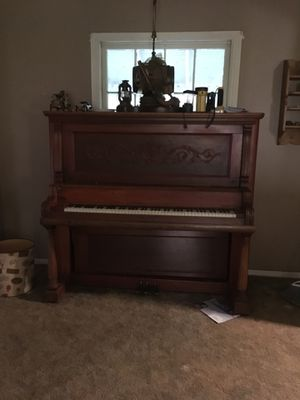 Piano for sale works great for Sale in Grand Saline, TX