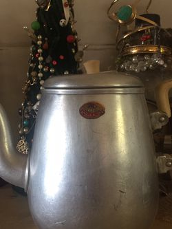 Vintage Aluminum Teapot for Sale in Hillsville,  VA