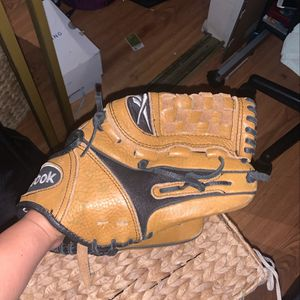 Baseball/ Softball Gloves for Sale in Los Angeles, CA