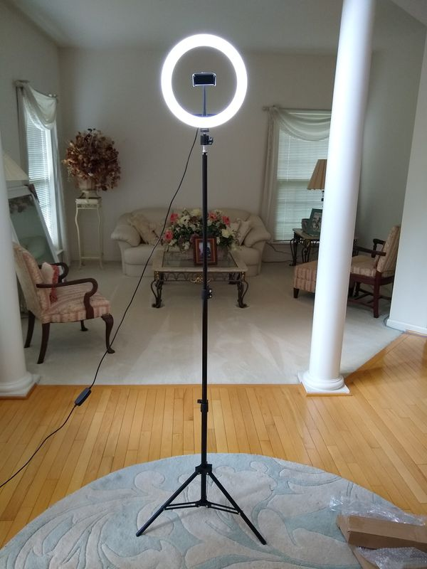 "BRAND NEW! 10"" Selfie RingLight Kit with 63"" Tripod"