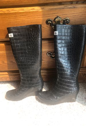 Rubber boot for raining for Sale in Clovis, CA