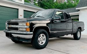 ❤For sale❤Chevrolet Silverado 1997 5.7 V8 .4Wheels for Sale in Cleveland, OH