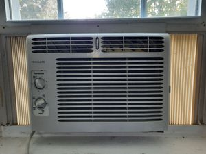 Frigidaire air conditioner for Sale in Columbia, PA