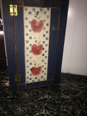 Little blue cabinet for Sale in Monroe, MI