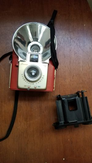 Vintage classic brownie starflash camera for Sale in North Chesterfield, VA