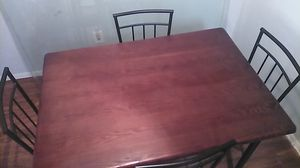 Dining room table w/4 chairs for Sale in Pasadena, TX