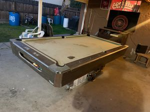 """Free pool table 8'.5""""x 4'.9"""" for Sale in Laton, CA"""