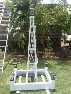 Garden light, sculpture, garden box with solar lights for Sale in Merkel, TX