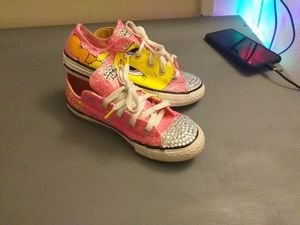 Looney tunes tweety bird shoes for Sale in Tampa, FL