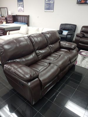 2 piece loveseat and sofa for Sale in Tampa, FL