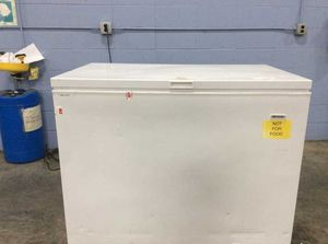 Frigidaire 10 cubic foot chest freezer for Sale in New Bedford, MA