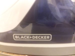 Black n decker iron for Sale in Traverse City, MI