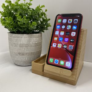 Iphone XR 64gb Product Red unlocked for any carrier (21) for Sale in Manhattan Beach, CA