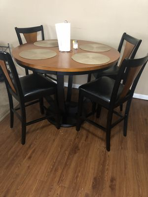 Kitchen table good condition for Sale in Oak Lawn, IL