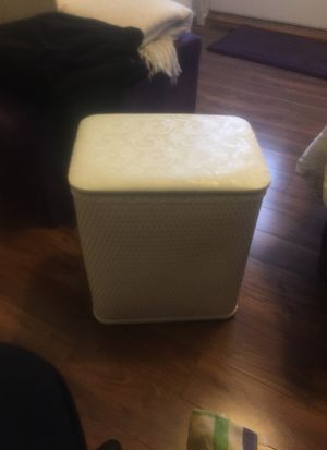 White Hamper for Sale in Thomasville, NC