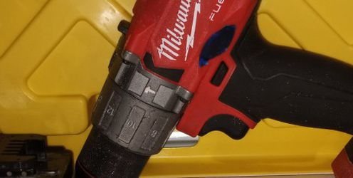 Milwaukee Hammer Drill/Driver With 3.0 Battery for Sale in Baltimore,  MD