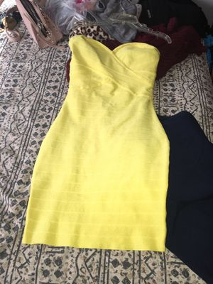 Yellow dress size M for Sale in Houston, TX