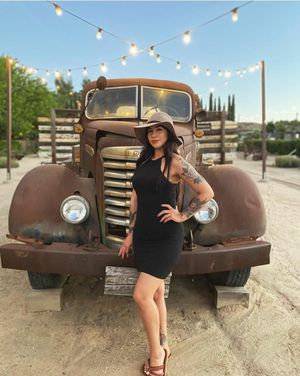 1947 GMC grill for Sale in Cutler, CA