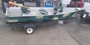 Boat with motor one is a battery one and other a gas one for Sale in Orlando, FL