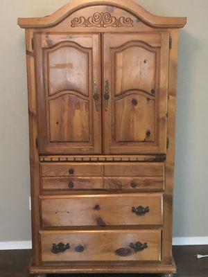 Wooden Queen Bedroom Set for Sale in Mesquite, TX