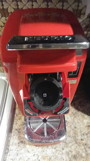 Keurig red coffee maker for Sale in Chicago, IL