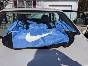 Nike duffle bag for Sale in Mansfield, OH