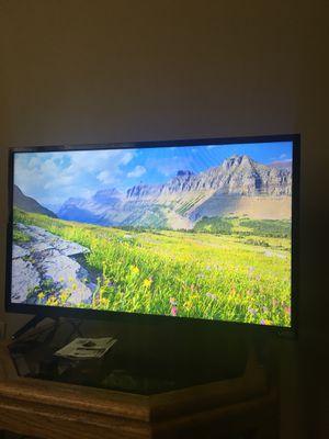 """32"""" Vizio LED TV for Sale in Seattle, WA"""