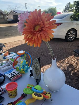 Flower pot and flowers for Sale in Mesa, AZ