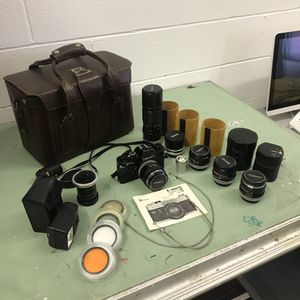 Canon 35mm Camera Setup for Sale in UPPER ARLNGTN, OH