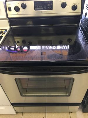 Whirlpool stainless steel electric stove for Sale in Detroit, MI