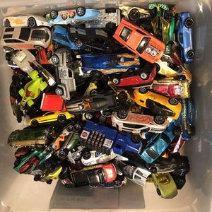1970s-2015 Lot of Over 450 Cars Matchbox Johnny Lightning for Sale in Sacaton, AZ