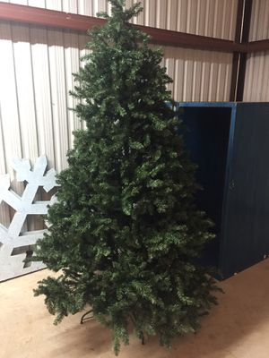 7 1/2 foot tall Christmas tree no lights for Sale in Pontotoc, OK