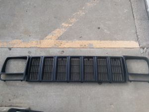 Jeep grill and headlight bezels for Sale in Columbus, OH