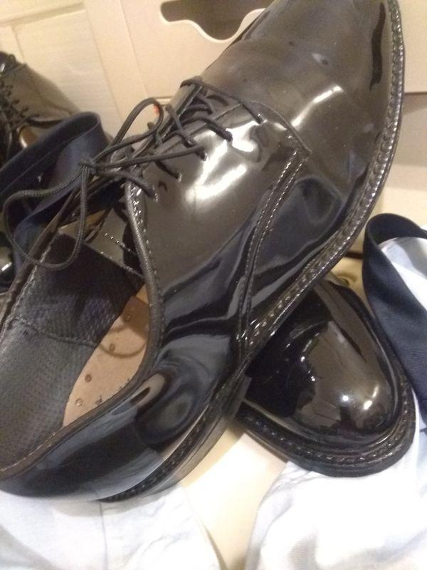 Bate's Men size 11 1/2 (2 pairs)