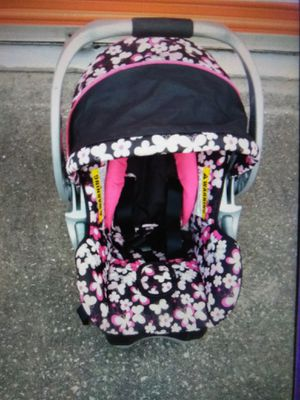 Baby girl car seat for Sale in Orlando, FL