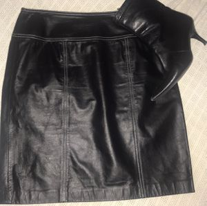 Michael Kors 100% Leather Skirt for Sale in Miami, FL