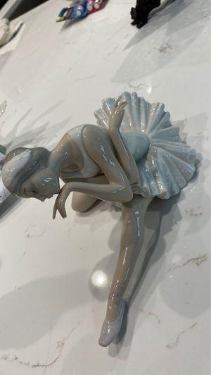 "Lladro ballerina figurine ""Death of a swan"" for Sale in Santa Clarita, CA"